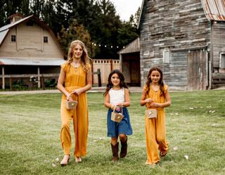 Flowergirls at sunflower wedding