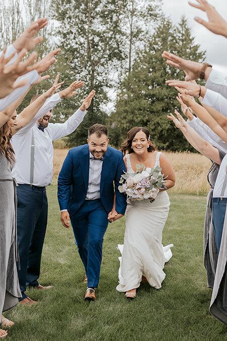 Wedding Party send off at Mount Peak Farm